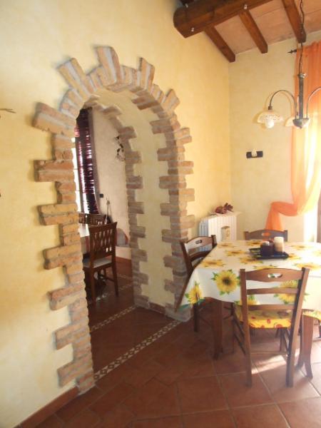 Agenzia immobiliare casale rieti poggio moiano - Cucina con arco ...